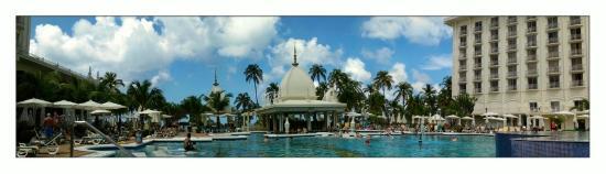 Hotel Riu Palace Aruba: Pool area of Riu Palace