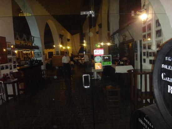 LA CARBONA: Restaurant entrance