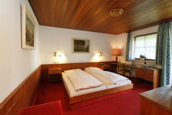 Neumayr: Doppelzimmer