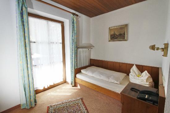 Neumayr: Einzelzimmer