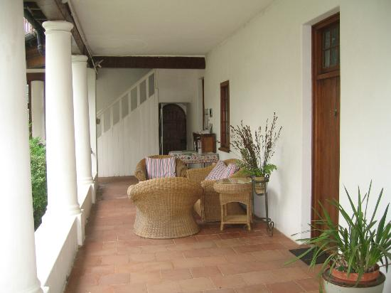 Lekkerwijn: restaurant site in the inner carre of the house