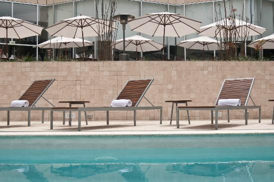 Atton San Isidro: Swimming Pool and Jacuzzi