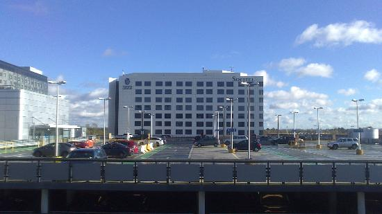 Sofitel London Gatwick : View of Hotel from terminal