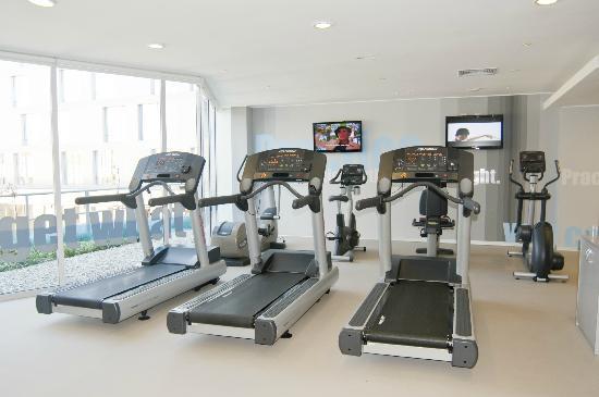 Atton San Isidro: Gym