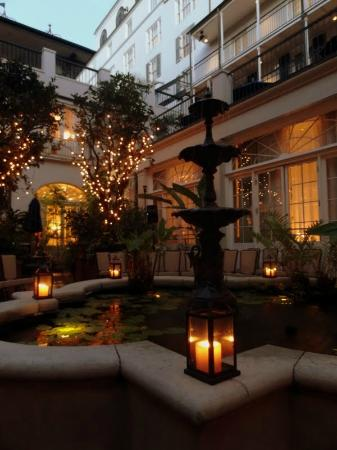 Royal Sonesta New Orleans: Courtyard available for weddings