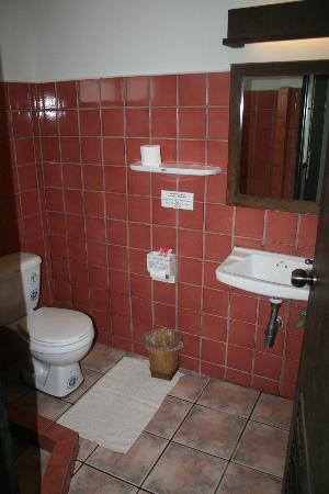 Baan Warabordee: Baño de la habitación