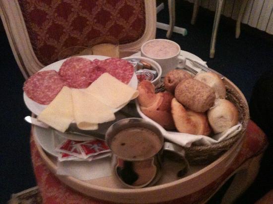 Locanda Cavanella: petit dejeuner(une partie ns avons choisis ce que nous voulions)