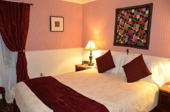 Wine Way Inn: Yountville room 
