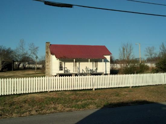 Hartsville, TN: The huge history museum at the start of the tour