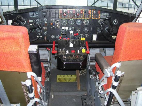 Canadian Bushplane Heritage Centre: One of many cockpits open to the museum visitors to explore
