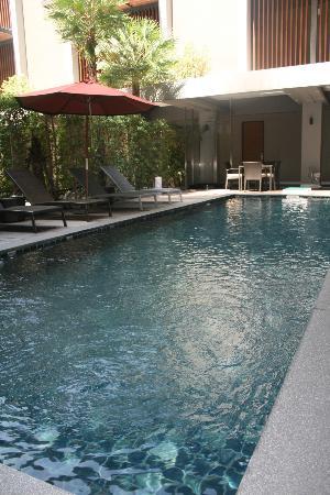 Siam Swana Hotel: Piscina
