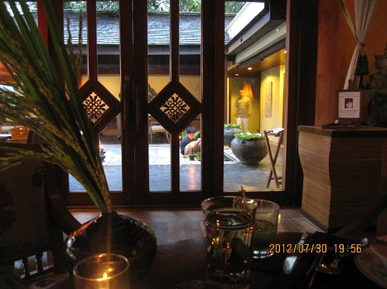 Four Seasons Resort Chiang Mai: 餐廳一偶