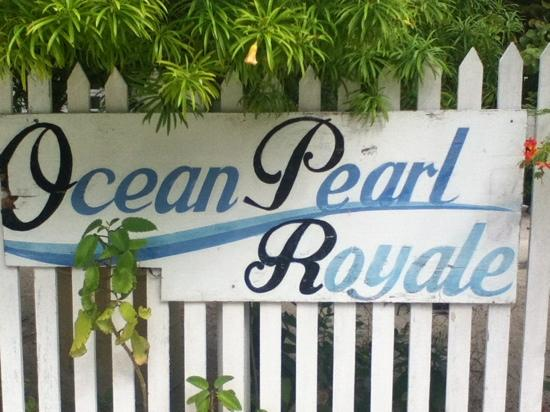 Ocean Pearle Royale Hotel: sign