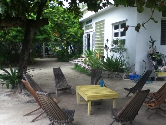 Ocean Pearle Royale Hotel: Garden