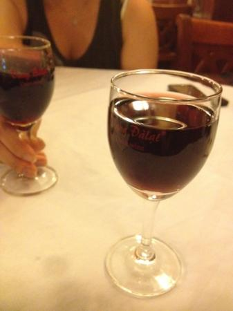 restaurant de famille, Long Hoa: dalat wine(red) - glass