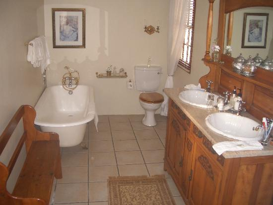 La Plume: Our bathroom