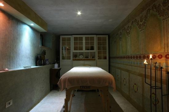 Agriturismo Piaggione di Serravalle: sala massaggi