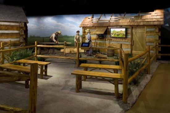 Independence Visitors' Center: Fun pioneer exhibits