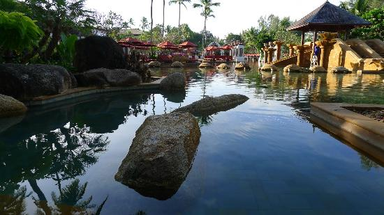 Marriott's Phuket Beach Club: Pool area