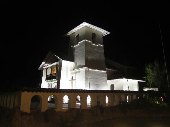 Aranwa Sacred Valley Hotel & Wellness: La Capilla de noche