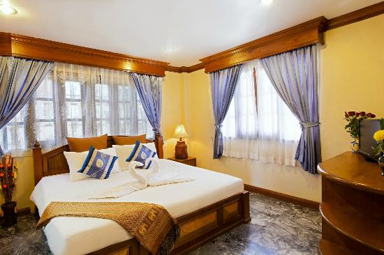 Royal Prince Residence: bedroom in villa