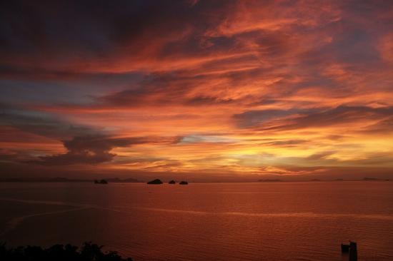 Shiva Samui: Best sunset ever (10 minutes from the villa, ask Lay)