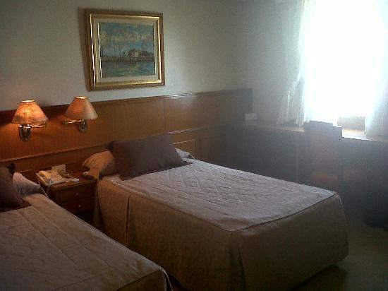 Hotel Carlos V: Excelente habitación!
