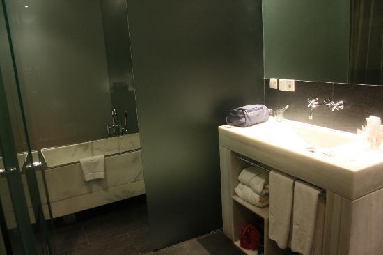 Hospes Palacio de los Patos: bañera