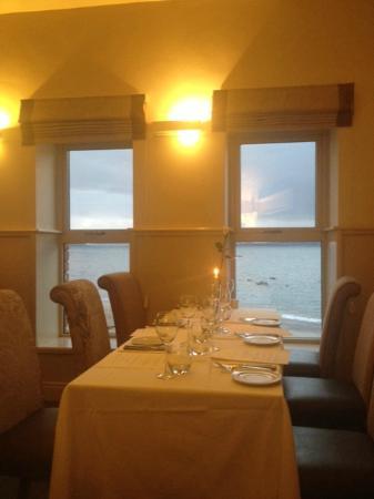 Beach House: Table set for meal