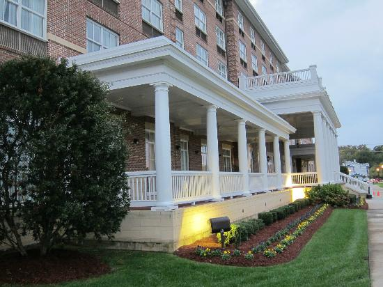 The Front Of Hotel Picture Hilton Garden Inn Suffolk