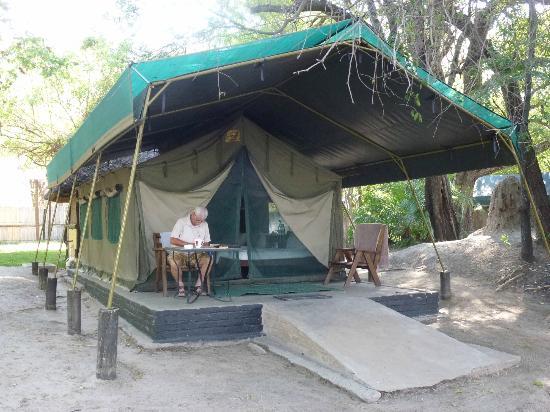 Ndhovu Safari Lodge: Wohnzelt am Okavango