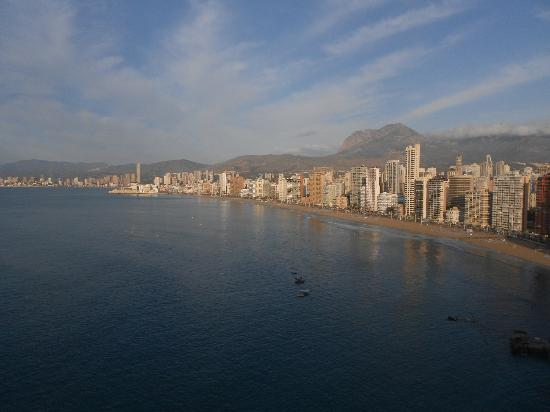 Apartamentos Lido: View towards Benidorm old Town from apartment.
