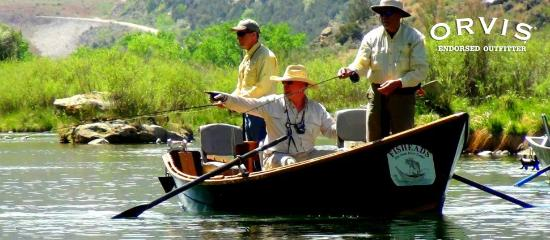 Fisheads San Juan River Lodge: Our head guide Bubba point out where the trout are hiding