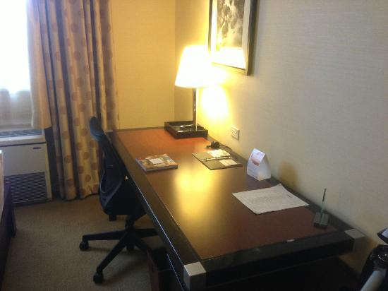 Westminster Hotel: Desk