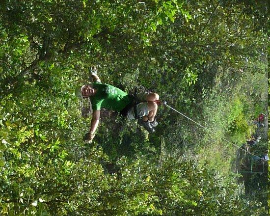 Vida Aventura Nature Park: Zip lining