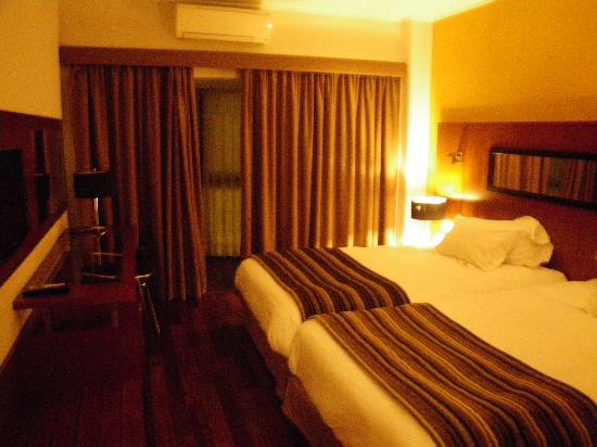 Clarion Suites Lisbon: La chambre