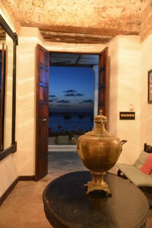 Ibo Island Lodge: lodge at dusk