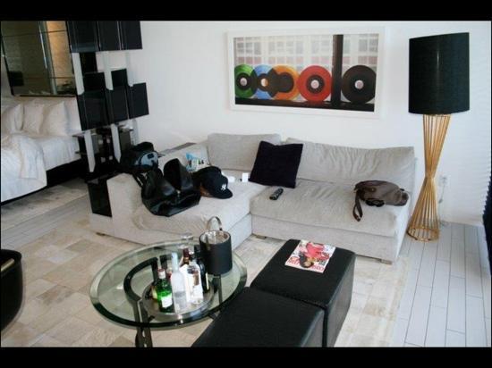 W South Beach: lounge area.