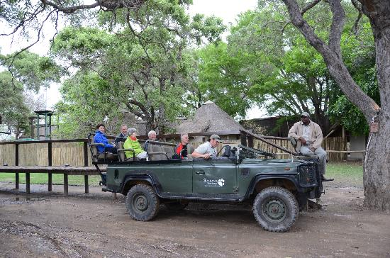Simbavati River Lodge: Starting a safari