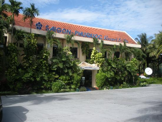 Saigon Phu Quoc Resort: Front of Main Building