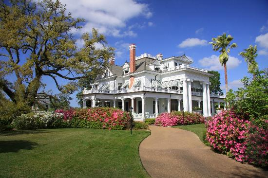 Beaumont, TX: The McFaddin-Ward House, built in 1905-1906, was designed in a Beaux-Arts Colonial style.