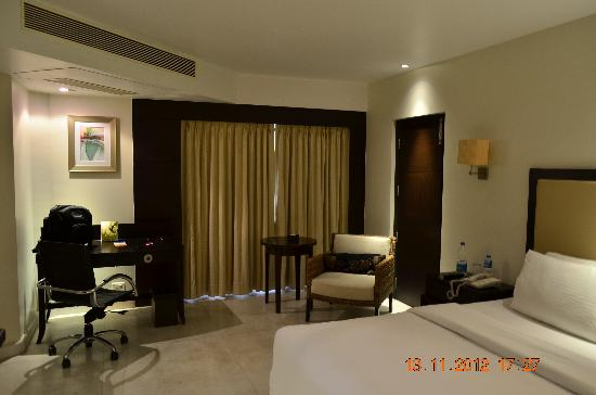 Royal Orchid Central Kireeti: Deluxe room