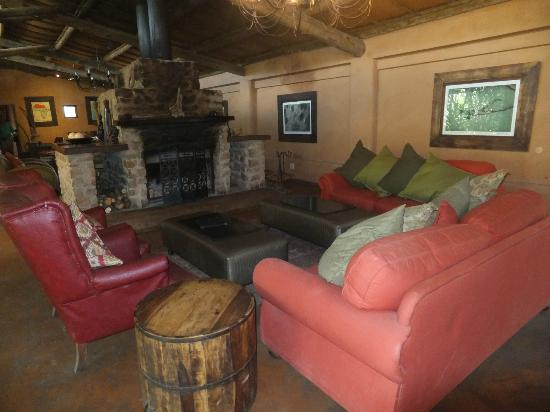 Kariega Game Reserve: lounge area
