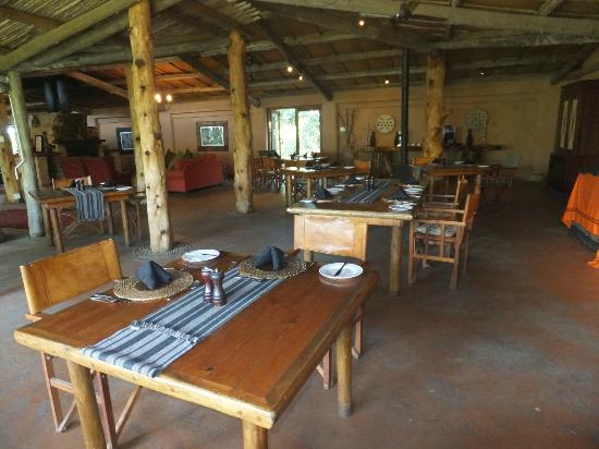 Kariega Game Reserve: dining area