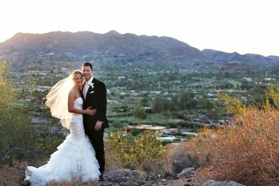 Sanctuary Camelback Mountain: Wedding Couple