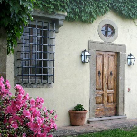 Santa Maria a Poneta: Tuscany facade