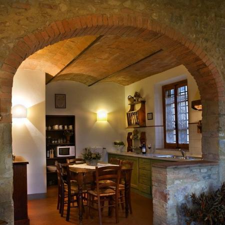 Santa Maria a Poneta: Dining room in the tuscany farmhouse