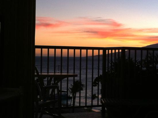 Aston at The Whaler on Kaanapali Beach: Sunset view from lanai