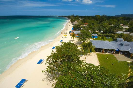 Grand Pineapple Beach Negril : Aerial View