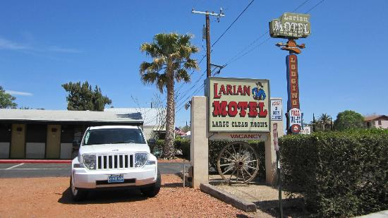Larian Motel: our car parked
